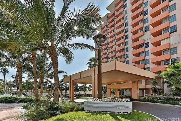 2899 Collins Ave #442