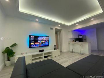 1735 NE 164th St #D207, North Miami Beach, FL, 33162,