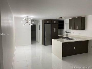 710 11th St #8, Miami Beach, FL, 33139,