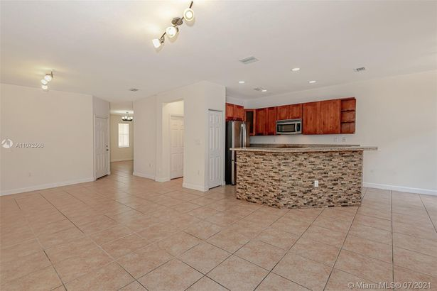 11415 NW 74th Terrace #11415