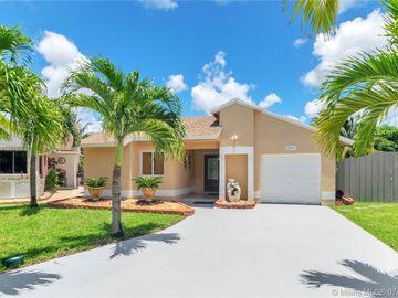 921 SW 112th Ave, Pembroke Pines, FL, 33025,