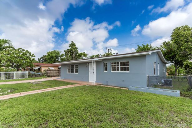 935 NW 179th St