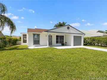 8257 Cedar Hollow Ln, Boca Raton, FL, 33433,