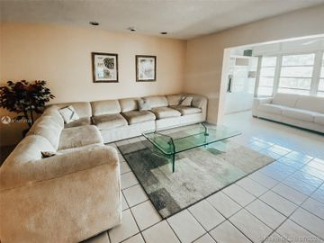 4000 NW 44th Ave #314, Lauderdale Lakes, FL, 33319,