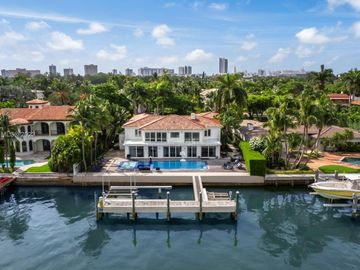 3026 N Bay Rd, Miami Beach, FL, 33140,