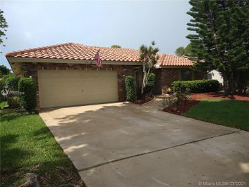 7106 NW 42nd St, Coral Springs, FL, 33065,