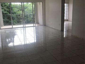 9190 Fontainebleau Blvd #402, Miami, FL, 33172,