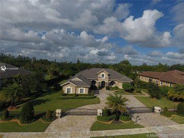 14561 N Jockey Cir N, Davie, FL, 33330,