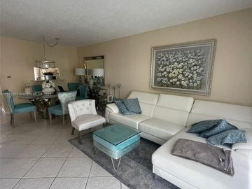 4705 NW 35th St #516, Lauderdale Lakes, FL, 33319,