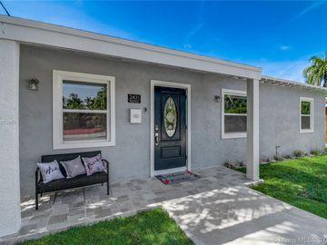 2431 Grant St, Hollywood, FL, 33020,