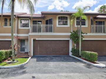 4939 Riverside Dr #703, Coral Springs, FL, 33067,