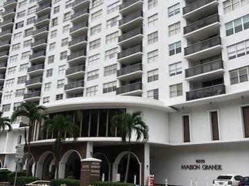 6039 Collins Ave #PH18, Miami Beach, FL, 33140,