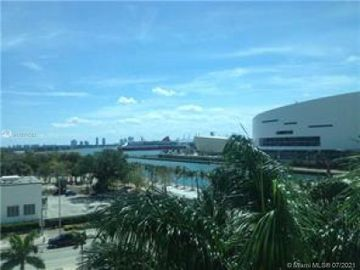 900 Biscayne Blvd #O-601, Miami, FL, 33132,