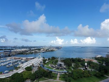 244 Biscayne Blvd #2702, Miami, FL, 33132,