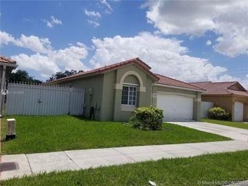 7482 NW 168th St, Miami, FL, 33015,