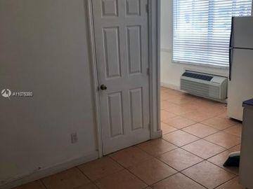 3700 Collins Ave #S-103, Miami Beach, FL, 33140,