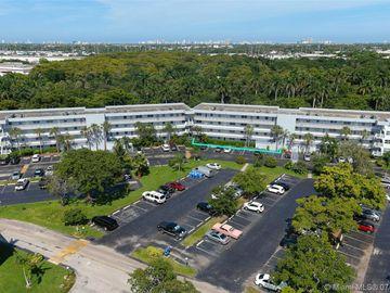 102 Royal Park Dr #1C, Oakland Park, FL, 33309,
