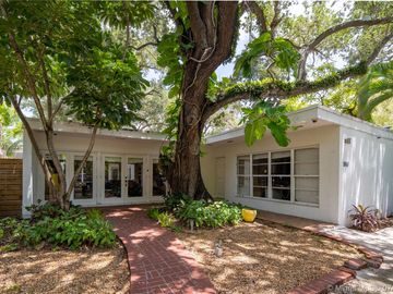 1767 Wa Kee Na Dr, Miami, FL, 33133,