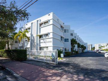 1185 Marseille Dr #303, Miami Beach, FL, 33141,