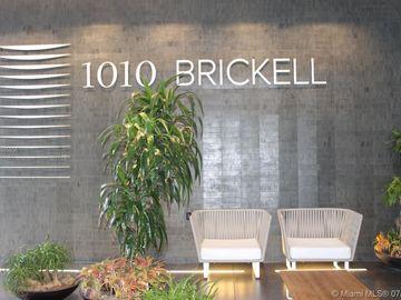 1010 Brickell Ave #4211, Miami, FL, 33131,