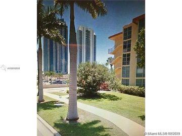 200 172nd St #404, Sunny Isles Beach, FL, 33160,