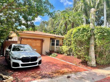 900 NE 122nd St, North Miami, FL, 33161,