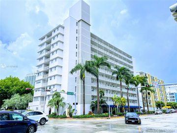 1300 Lincoln Rd #C203, Miami Beach, FL, 33139,