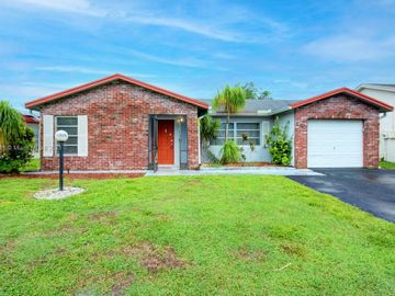 7305 Pine Forest Circle, Lake Worth, FL, 33467,