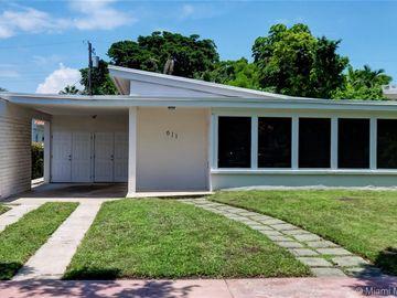 611 W 51st St, Miami Beach, FL, 33140,