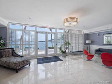 2640 Lake Shore Dr #2209, Riviera Beach, FL, 33404,