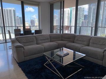 88 SW 7th St #1811, Miami, FL, 33130,