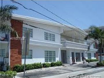 8080 Tatum Waterway Dr #7, Miami Beach, FL, 33141,