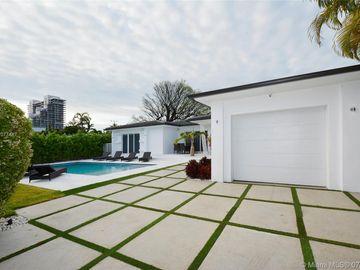 880 Venetian Sr, Miami Beach, FL, 33139,