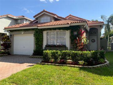 372 NW 107th Ave, Pembroke Pines, FL, 33026,
