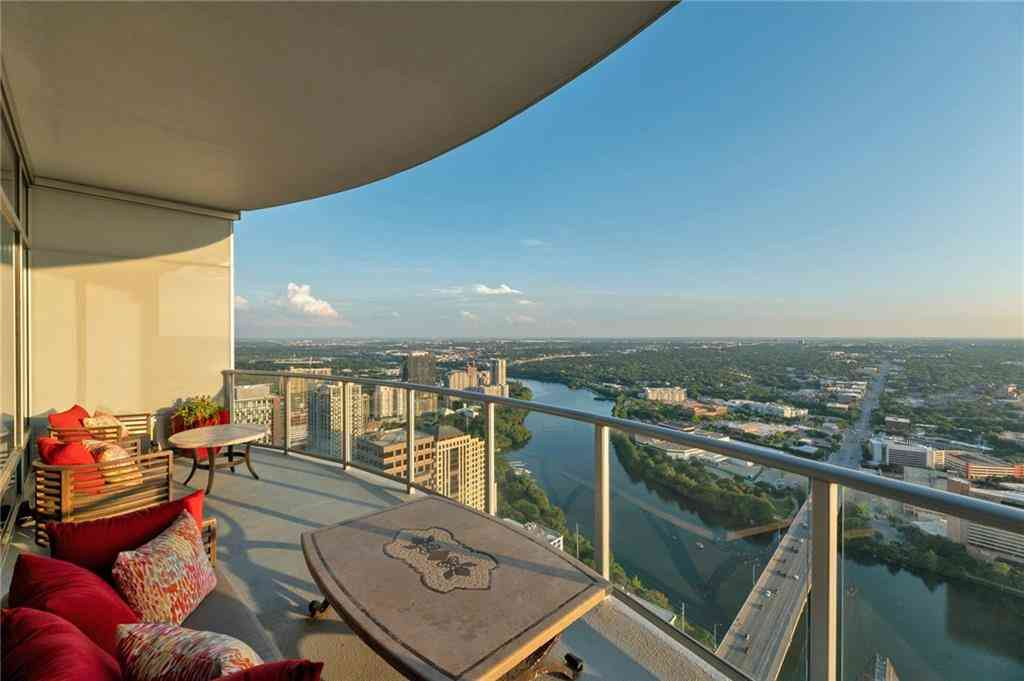 200 CONGRESS Ave #46LX, Austin, TX, 78701,