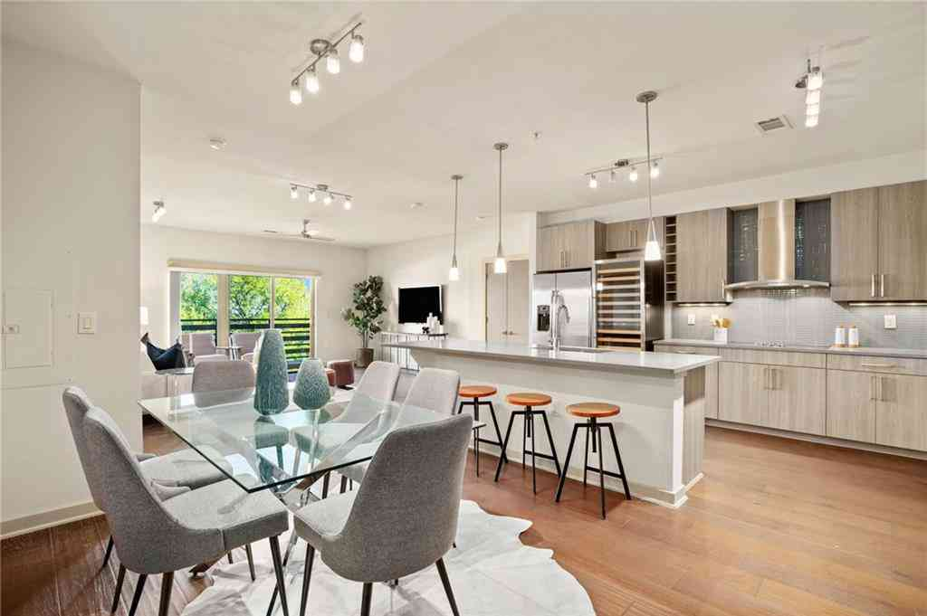 Sunny Living Room, 3600 S Lamar BLVD #417, Austin, TX, 78704,