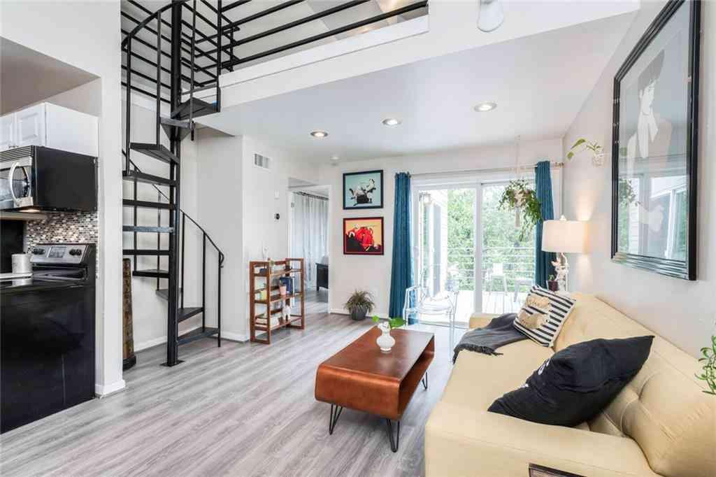 Sunny Living Room, 1514 Parker LN #208, Austin, TX, 78741,