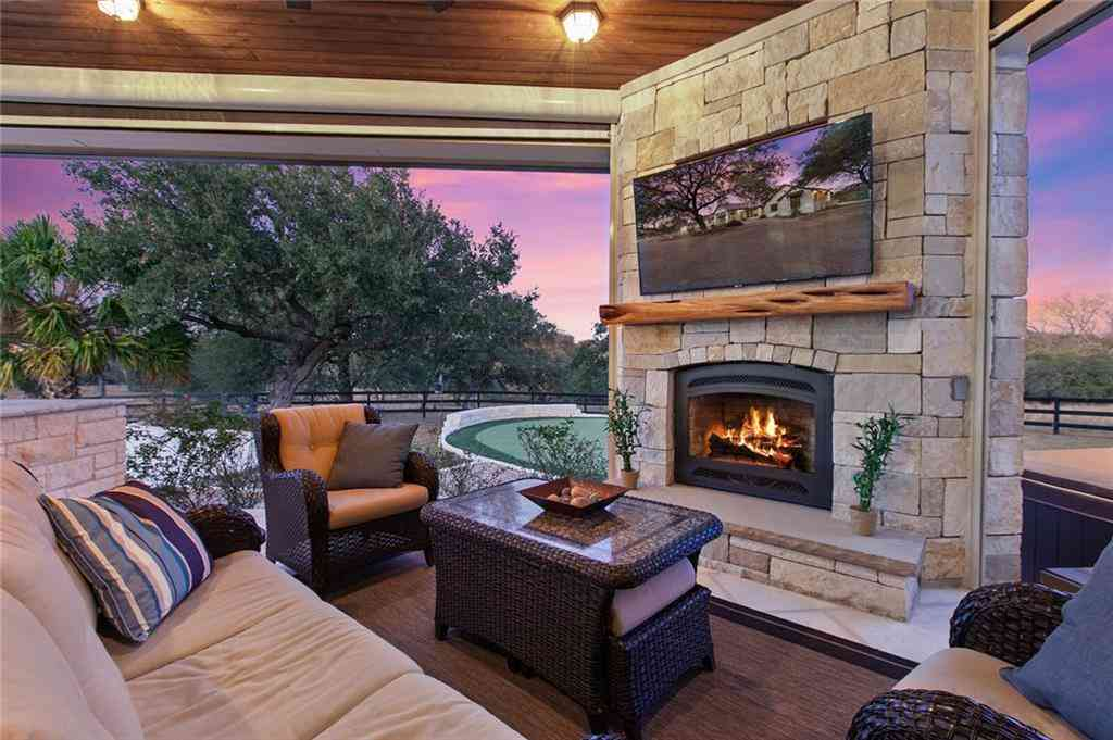Sunny Living Room, 160 Cross Creek DR, Dripping Springs, TX, 78620,