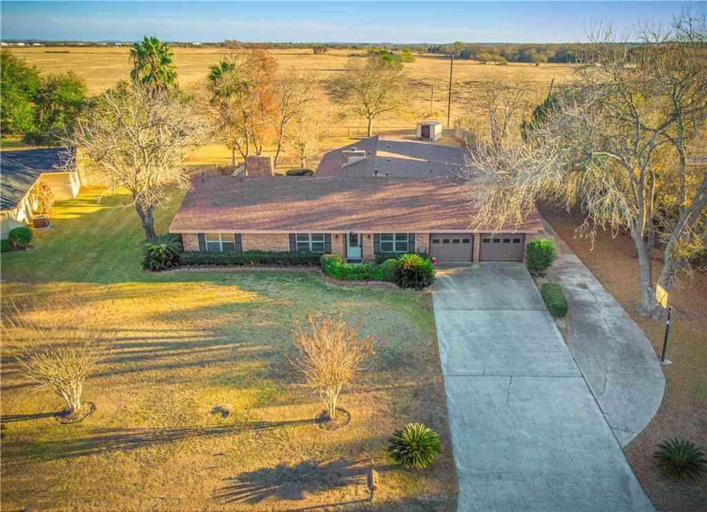 1704 Meadow LN, Lockhart, TX, 78644,