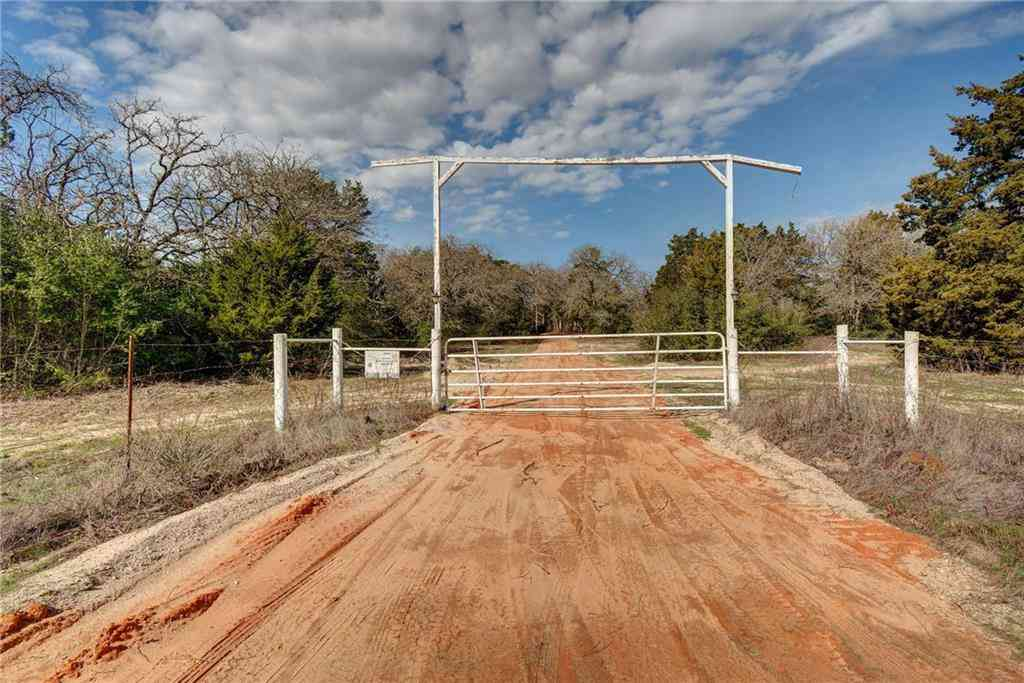 498 RED ROCK RANCH RD, Red Rock, TX, 78662,