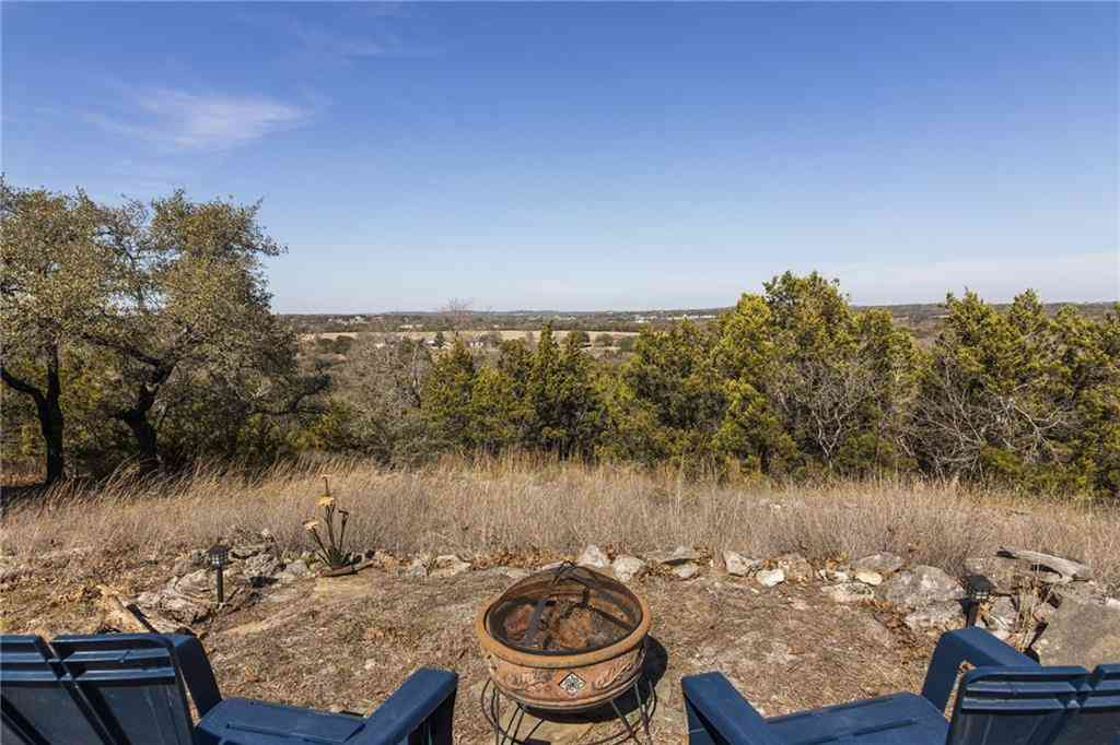207 Country LN, Dripping Springs, TX, 78620,