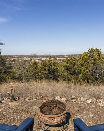 207 Country LN Dripping Springs, TX, 78620