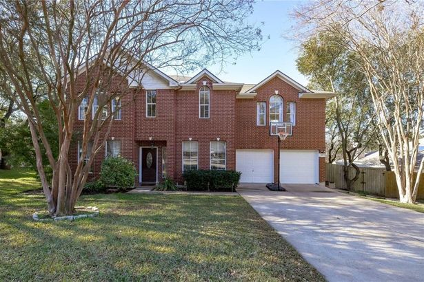 1911 Holly Hill DR