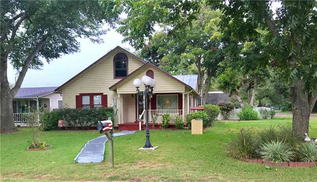 109 Whitehead ST, Smithville, TX, 78957,