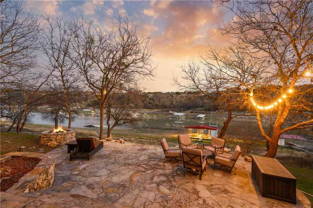 Undisclosed Address, Spicewood, TX, 78669,