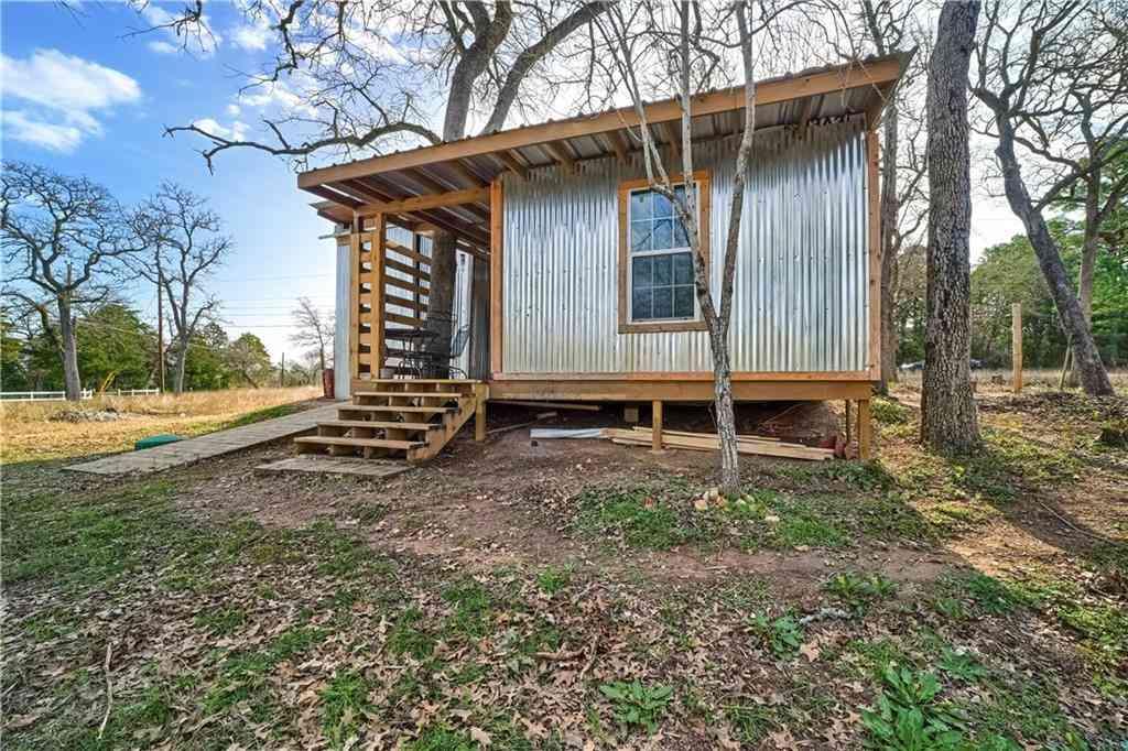 187 Arrowhead DR, Smithville, TX, 78957,