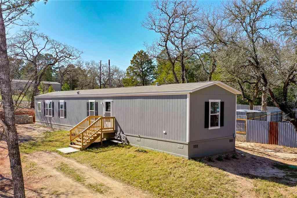 112 Shawnee DR, Smithville, TX, 78957,