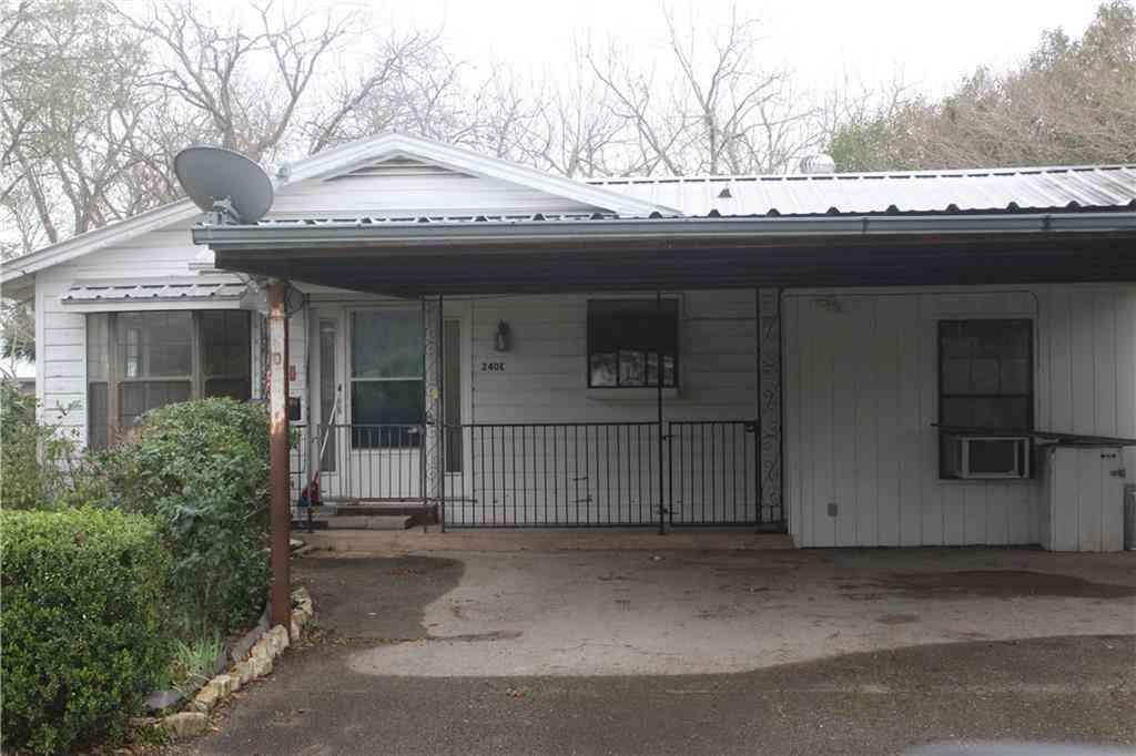 240 E Walnut ST, La Grange, TX, 78945,