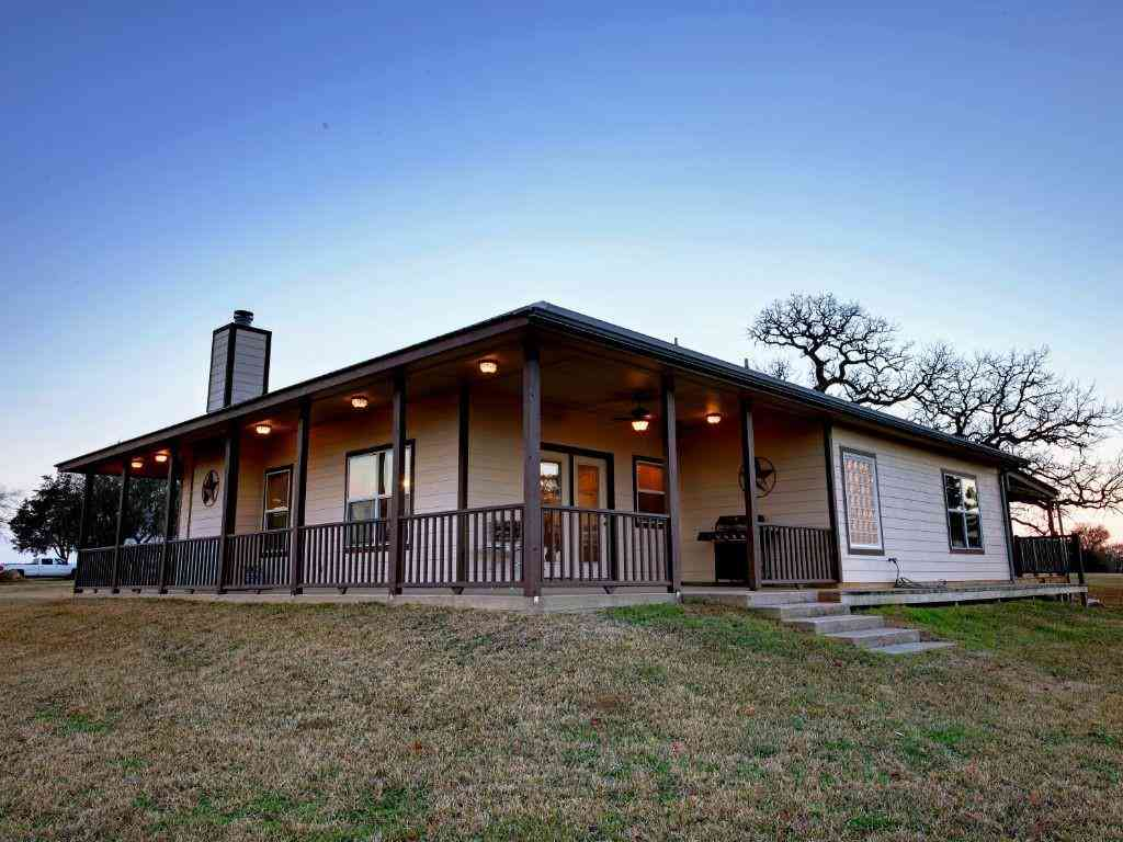1945 COUNTY ROAD 204, Paige, TX, 78659,