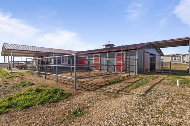 1101 County Road 140